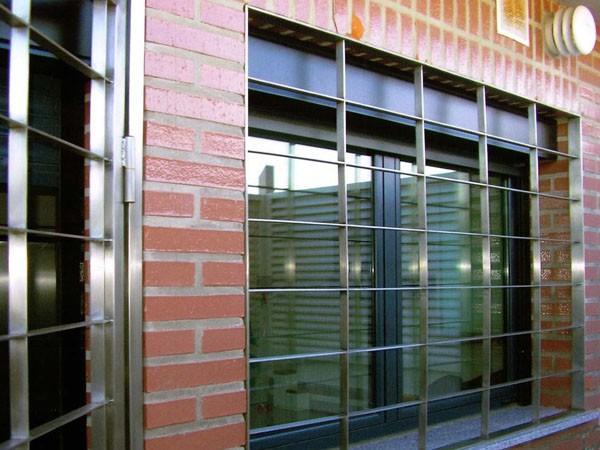 Importancia de las rejas antirrobos para reforzar la seguridad de la vivienda