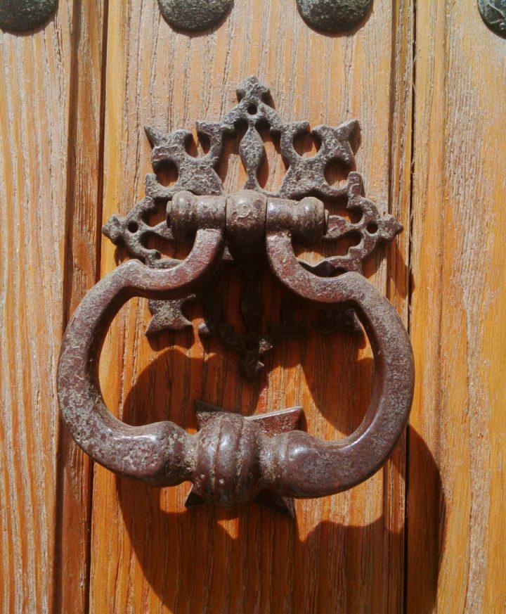 Accesorios De Las Puertas, Las Aldabas O Llamadores